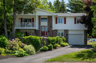 Photo 1: 41 Carriageway Court in Bedford: 20-Bedford Residential for sale (Halifax-Dartmouth)  : MLS®# 202010775