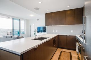 """Photo 10: 1602 112 E 13 Street in North Vancouver: Central Lonsdale Condo for sale in """"Centreview"""" : MLS®# R2469176"""