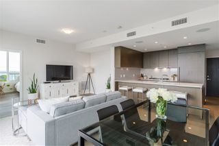 """Photo 3: 1602 112 E 13 Street in North Vancouver: Central Lonsdale Condo for sale in """"Centreview"""" : MLS®# R2469176"""