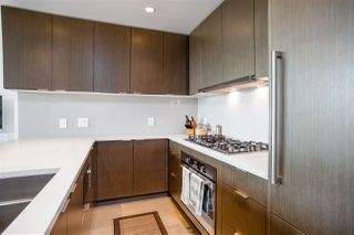 """Photo 14: 1602 112 E 13 Street in North Vancouver: Central Lonsdale Condo for sale in """"Centreview"""" : MLS®# R2469176"""