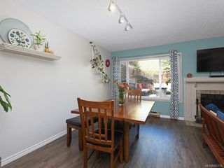 Photo 7: 111 3048 Washington Ave in : Vi Rock Bay Row/Townhouse for sale (Victoria)  : MLS®# 845736