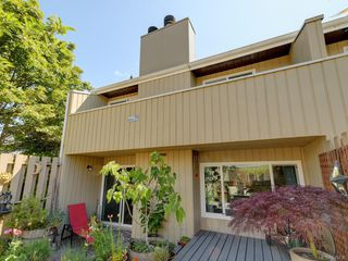 Photo 20: 111 3048 Washington Ave in : Vi Rock Bay Row/Townhouse for sale (Victoria)  : MLS®# 845736