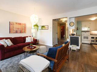 Photo 6: 111 3048 Washington Ave in : Vi Rock Bay Row/Townhouse for sale (Victoria)  : MLS®# 845736