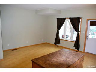 Photo 9: 393 Edison Avenue in WINNIPEG: North Kildonan Condominium for sale (North East Winnipeg)  : MLS®# 1325739