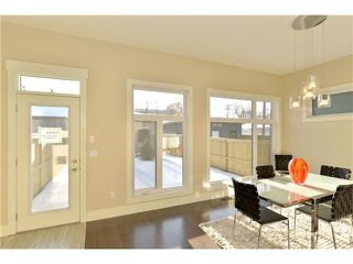 Photo 10: 329 18 Avenue NW in CALGARY: Mount Pleasant Residential Attached for sale (Calgary)  : MLS®# C3594923