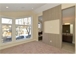 Photo 12: 329 18 Avenue NW in CALGARY: Mount Pleasant Residential Attached for sale (Calgary)  : MLS®# C3594923