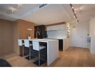 "Photo 4: 1203 918 COOPERAGE Way in Vancouver: Yaletown Condo for sale in ""THE MARINER"" (Vancouver West)  : MLS®# V1048985"