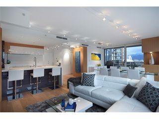 "Photo 2: 1203 918 COOPERAGE Way in Vancouver: Yaletown Condo for sale in ""THE MARINER"" (Vancouver West)  : MLS®# V1048985"