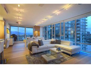 "Photo 1: 1203 918 COOPERAGE Way in Vancouver: Yaletown Condo for sale in ""THE MARINER"" (Vancouver West)  : MLS®# V1048985"