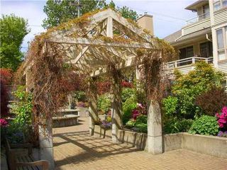 Photo 10: 314 3777 8TH Ave W in Vancouver West: Point Grey Home for sale ()  : MLS®# V948536
