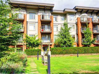 "Photo 3: 218 2280 WESBROOK Mall in Vancouver: University VW Condo for sale in ""Keats Hall"" (Vancouver West)  : MLS®# V1054007"