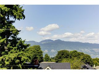 "Photo 4: 3739 W 24TH Avenue in Vancouver: Dunbar House for sale in ""DUNBAR"" (Vancouver West)  : MLS®# V1069303"