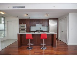 "Photo 4: 104 3595 W 18TH Avenue in Vancouver: Dunbar Townhouse for sale in ""DUKE ON DUNBAR"" (Vancouver West)  : MLS®# V1123567"