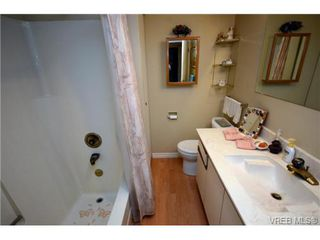 Photo 10: 206 439 Cook St in VICTORIA: Vi Fairfield West Condo for sale (Victoria)  : MLS®# 706865