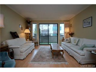 Photo 3: 206 439 Cook St in VICTORIA: Vi Fairfield West Condo for sale (Victoria)  : MLS®# 706865