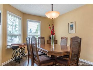 Photo 8: 3 1968 Cultra Ave in SAANICHTON: CS Saanichton Row/Townhouse for sale (Central Saanich)  : MLS®# 711060