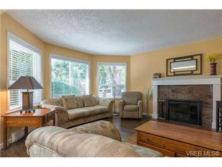Photo 1: 3 1968 Cultra Ave in SAANICHTON: CS Saanichton Row/Townhouse for sale (Central Saanich)  : MLS®# 711060