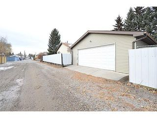Photo 22: 12 MCKERNAN Court SE in Calgary: McKenzie Lake House for sale : MLS®# C4039610