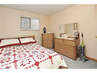 Photo 13: 12 MCKERNAN Court SE in Calgary: McKenzie Lake House for sale : MLS®# C4039610