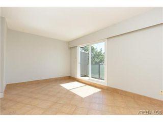 Photo 6: 212 991 Cloverdale Ave in VICTORIA: SE Quadra Condo for sale (Saanich East)  : MLS®# 730785