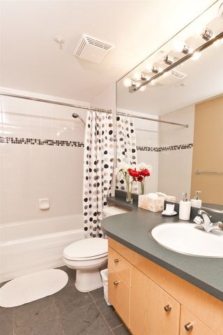 """Photo 7: 2903 1008 CAMBIE Street in Vancouver: Yaletown Condo for sale in """"Waterworks"""" (Vancouver West)  : MLS®# R2083276"""