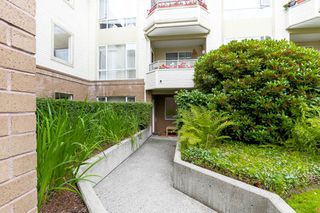 "Photo 18: 208 6742 STATION HILL Court in Burnaby: South Slope Condo for sale in ""WYNDHAM COURT"" (Burnaby South)  : MLS®# R2090340"