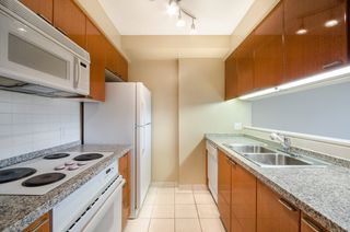 Photo 7: 2106 1200 ALBERNI Street in Vancouver: West End VW Condo for sale (Vancouver West)  : MLS®# R2126297