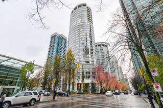 Photo 1: 2106 1200 ALBERNI Street in Vancouver: West End VW Condo for sale (Vancouver West)  : MLS®# R2126297