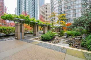 Photo 3: 2106 1200 ALBERNI Street in Vancouver: West End VW Condo for sale (Vancouver West)  : MLS®# R2126297