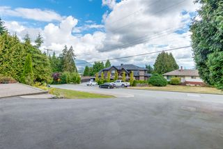 Photo 4: R2135281 - 870 Saddle Street, Coquitlam House For Sale