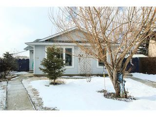 Main Photo: 136 Falton Close NE in Calgary: Falconridge House  : MLS®# C4101015