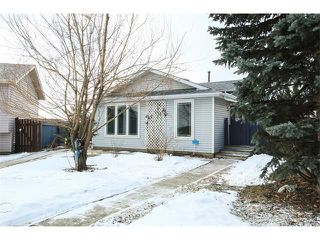 Photo 3: 136 Falton Close NE in Calgary: Falconridge House  : MLS®# C4101015