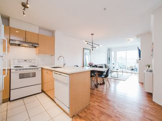 """Photo 2: 417 4989 DUCHESS Street in Vancouver: Collingwood VE Condo for sale in """"The Royal Terrace"""" (Vancouver East)  : MLS®# R2149960"""