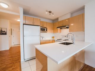 """Photo 3: 417 4989 DUCHESS Street in Vancouver: Collingwood VE Condo for sale in """"The Royal Terrace"""" (Vancouver East)  : MLS®# R2149960"""