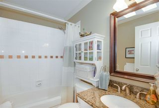 "Photo 9: 22 3711 ROBSON Court in Richmond: Terra Nova Townhouse for sale in ""Tennyson Gardens"" : MLS®# R2154262"