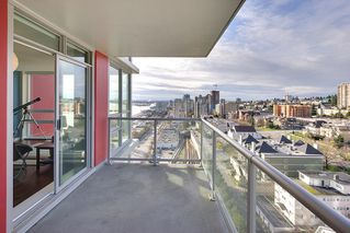 "Photo 13: 1706 125 COLUMBIA Street in New Westminster: Downtown NW Condo for sale in ""NORTHBANK"" : MLS®# R2167534"