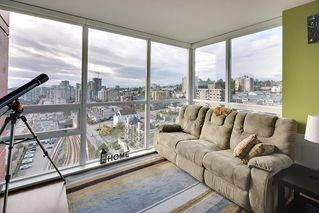 "Photo 3: 1706 125 COLUMBIA Street in New Westminster: Downtown NW Condo for sale in ""NORTHBANK"" : MLS®# R2167534"