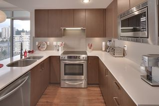 "Photo 10: 1706 125 COLUMBIA Street in New Westminster: Downtown NW Condo for sale in ""NORTHBANK"" : MLS®# R2167534"