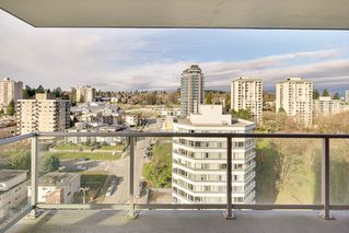 "Photo 12: 1706 125 COLUMBIA Street in New Westminster: Downtown NW Condo for sale in ""NORTHBANK"" : MLS®# R2167534"