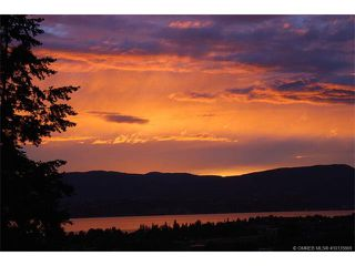Photo 4: 1065 Bartholomew Court in Kelowna: Lower Mission House for sale : MLS®# 10135869