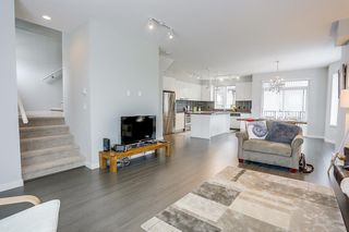 """Photo 9: 142 8138 204 Street in Langley: Willoughby Heights Townhouse for sale in """"ASHBURY + OAK"""" : MLS®# R2188399"""