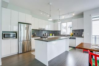 """Photo 4: 142 8138 204 Street in Langley: Willoughby Heights Townhouse for sale in """"ASHBURY + OAK"""" : MLS®# R2188399"""