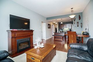 Photo 8: 314 19774 56 AVENUE in Langley: Langley City Condo for sale : MLS®# R2186722