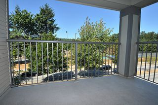 """Photo 9: 315 2468 ATKINS Avenue in Port Coquitlam: Central Pt Coquitlam Condo for sale in """"THE BORDEAUX"""" : MLS®# R2195449"""