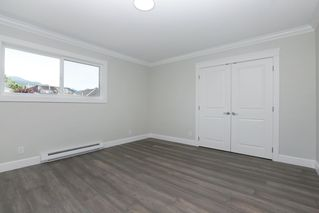 Photo 13: 264 E 9TH Street in North Vancouver: Central Lonsdale House 1/2 Duplex for sale : MLS®# R2206867