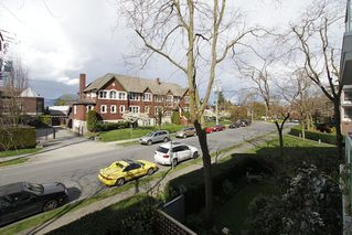 "Photo 12: # 213 2010 W 8TH AV in Vancouver: Kitsilano Condo for sale in ""AUGUSTINE GARDENS"" (Vancouver West)  : MLS®# V880530"
