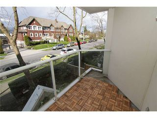 "Photo 14: # 213 2010 W 8TH AV in Vancouver: Kitsilano Condo for sale in ""AUGUSTINE GARDENS"" (Vancouver West)  : MLS®# V880530"