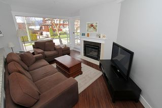 "Photo 7: # 213 2010 W 8TH AV in Vancouver: Kitsilano Condo for sale in ""AUGUSTINE GARDENS"" (Vancouver West)  : MLS®# V880530"