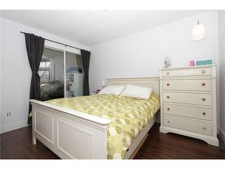 "Photo 11: # 213 2010 W 8TH AV in Vancouver: Kitsilano Condo for sale in ""AUGUSTINE GARDENS"" (Vancouver West)  : MLS®# V880530"