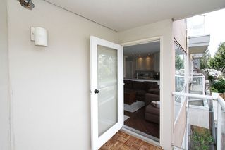 "Photo 15: # 213 2010 W 8TH AV in Vancouver: Kitsilano Condo for sale in ""AUGUSTINE GARDENS"" (Vancouver West)  : MLS®# V880530"